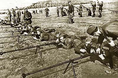 soldats soviétiques Ptrd-training
